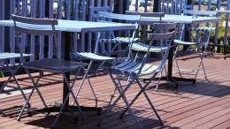 garden-table-427392_1280 (1)