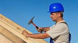tømrer der hamre